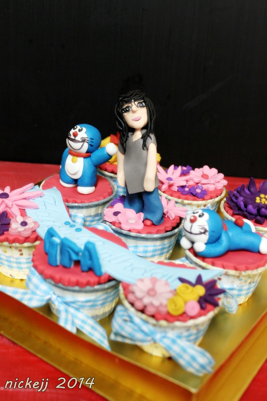 Cupcake girl andDoraemon