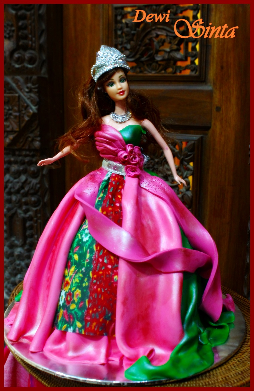 Indonesian Dewi series on Doll cakecourse