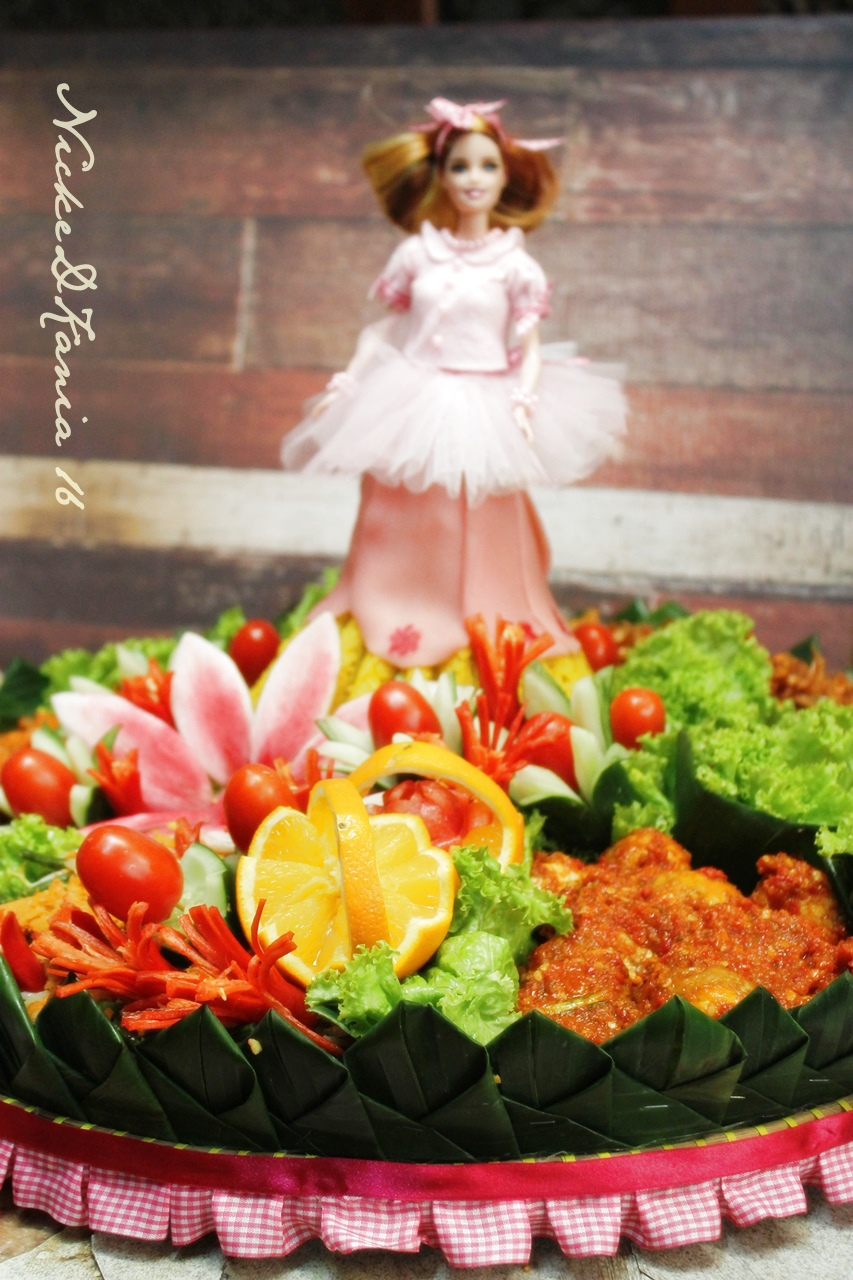 Tumpeng Barbie/doll