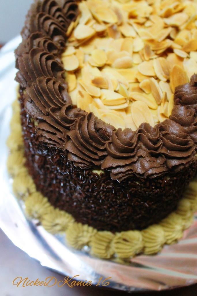 Classic Mocha Cake