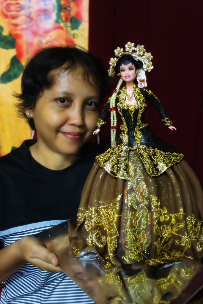 Javanese bride, Indonesian traditionalcostume