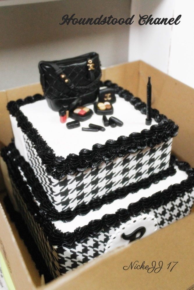 Houndstooth Chanel Cake