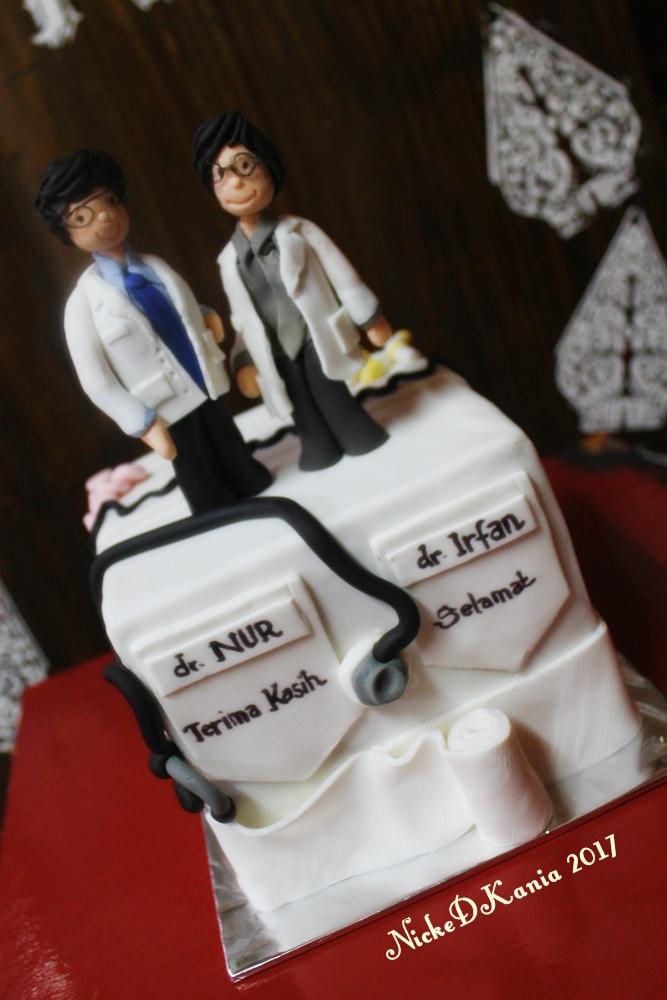 Medical doctors Cake